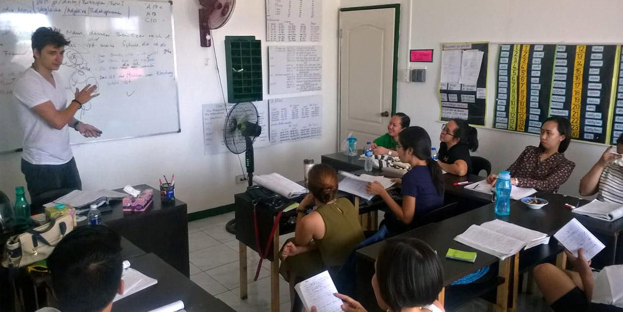 Sprachschulung und Telc-Prüfungen vor Ort
